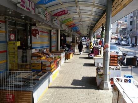 Huam-Market - heute nur wenig Betrieb